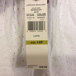 Alfred Dunner Pants - SALE!! Alfred Dunner Eyelet lace Capri pants